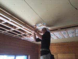 みよし市 リフォームで天井の張替えとクローゼット設置