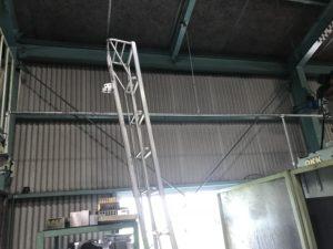 豊田市 鉄骨工場 建物の断熱工事で足場を設置