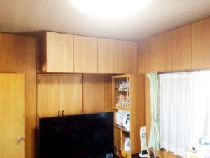 豊田市 リフォームで洋室に吊戸棚を設置