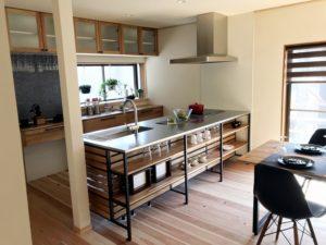 豊田市の平屋建てリノベーションハウス おしゃれなキッチン
