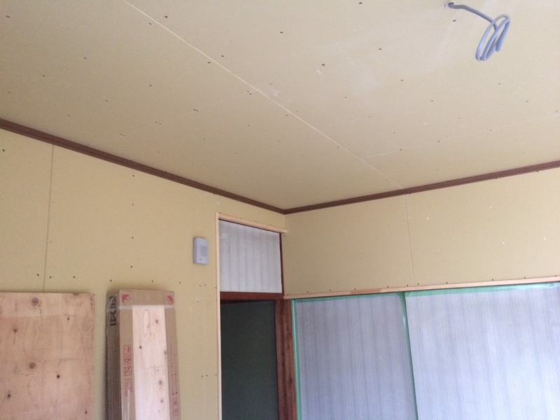 壁、天井クロス下地完了