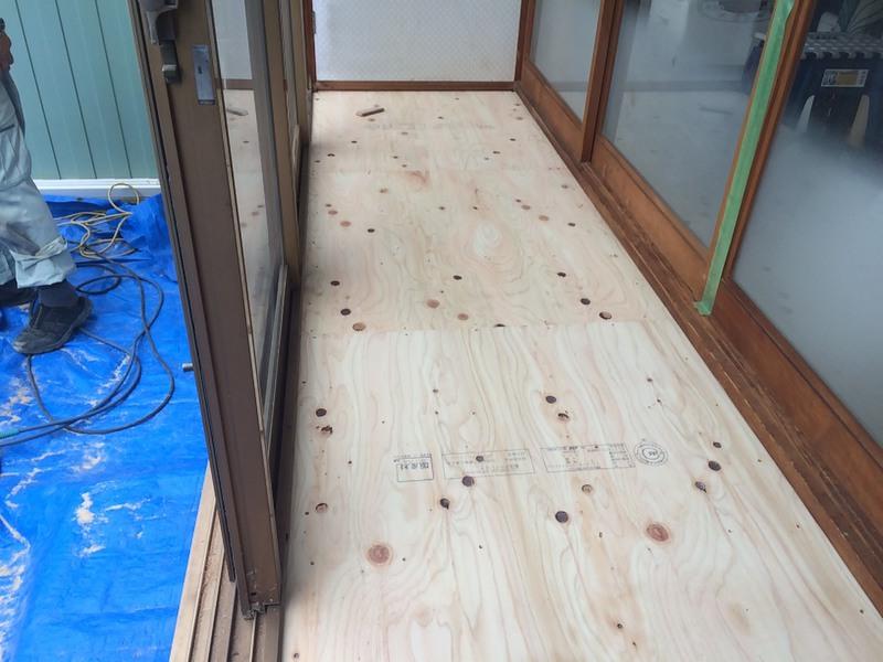 床は二重張り、下地の合板施工
