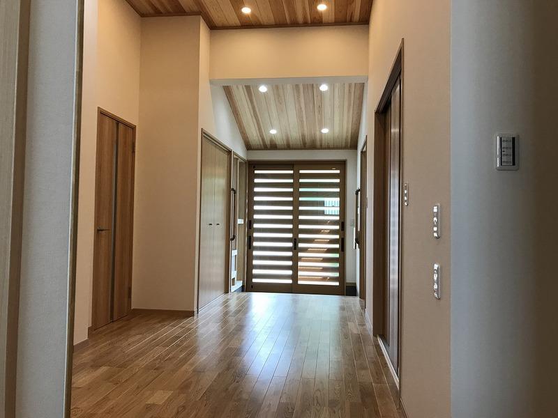 豊田市の玄関のリフォーム工事の施工事例