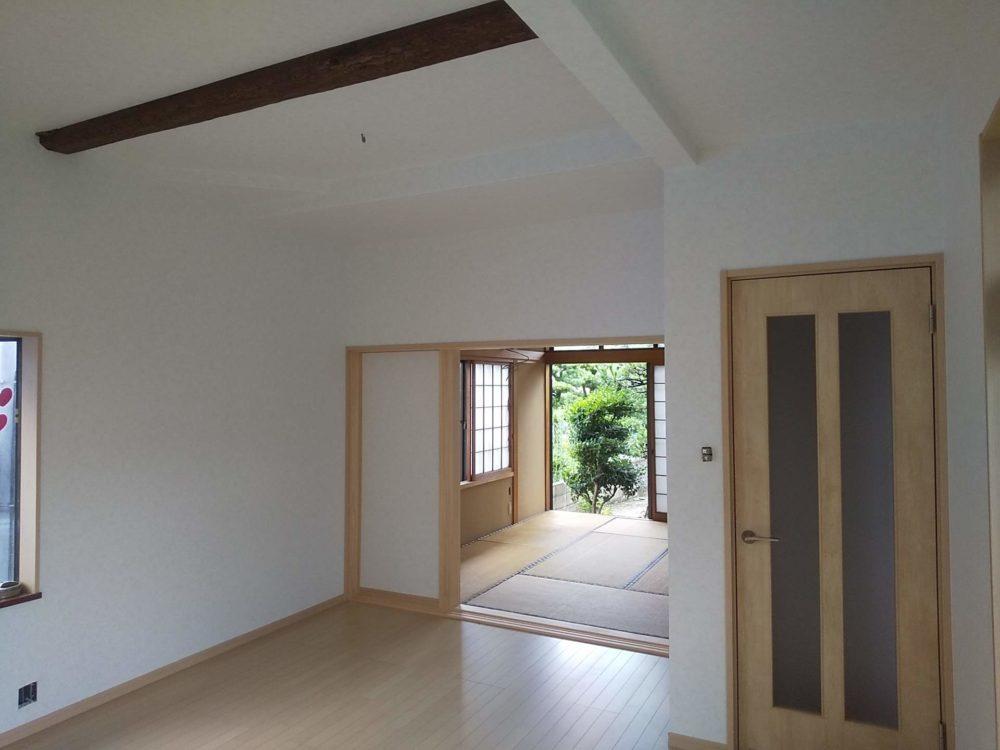 豊田市の自然素材の二世帯住宅のリビング