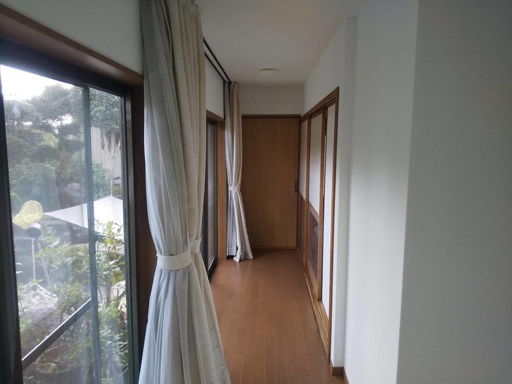 豊田市の自然素材の二世帯住宅の廊下