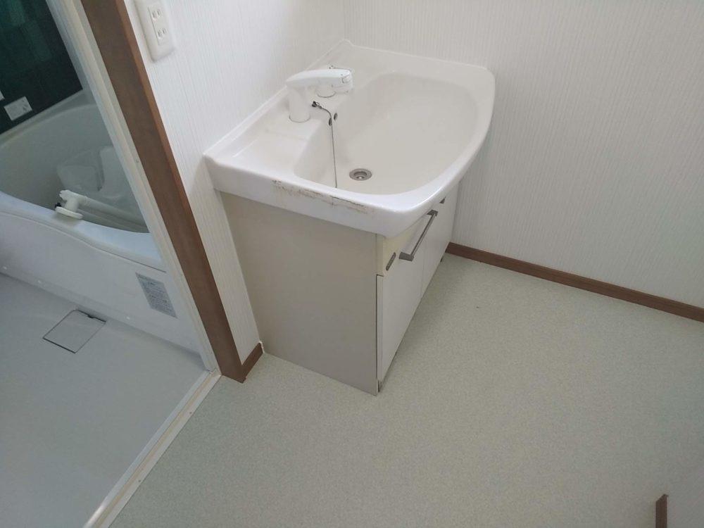 豊田市の自然素材の二世帯住宅の洗面所